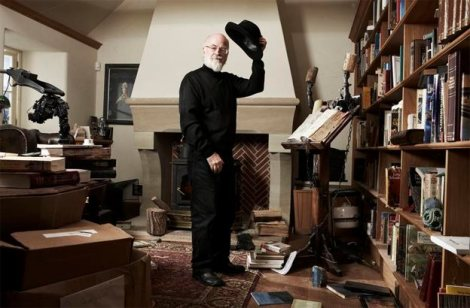 Photo of Sir Terry Pratchett, 1948-2015