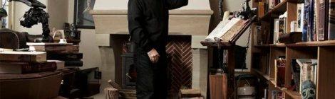 Photo of Sir Terry Pratchett, 1948-2015