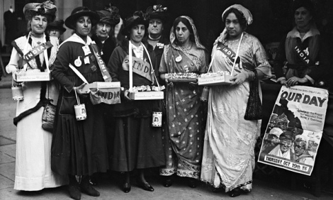 Princess Duleep Singh, second left, and others collect funds to help soldiers at the front during the first world war. Photograph: Topical Press Agency/Getty Images